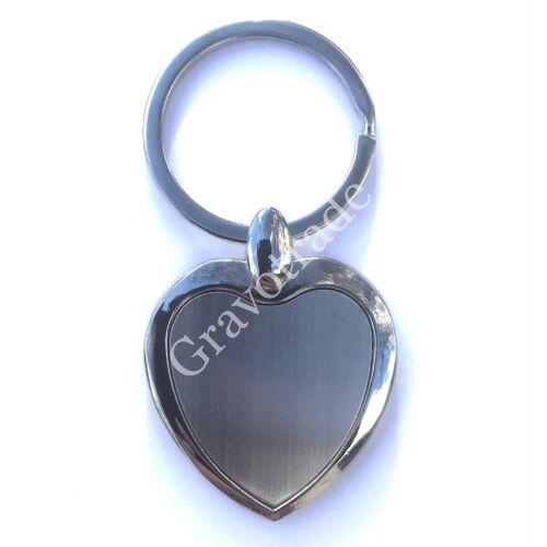 Fém kulcstartó szív kicsi szálrahúzott belső résszel